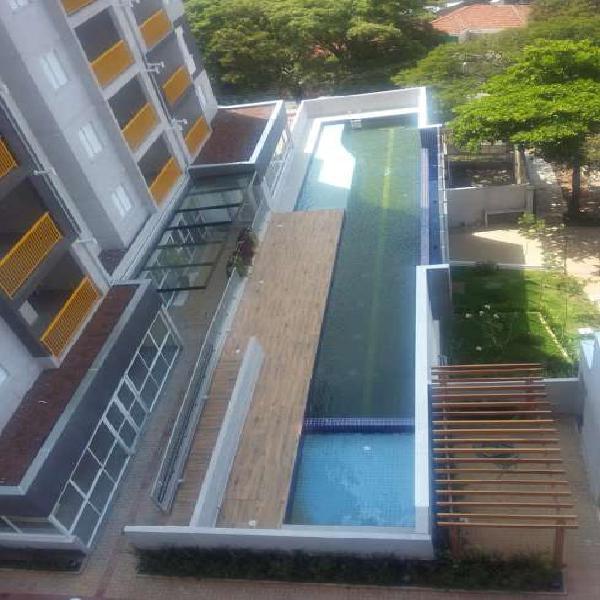 Apartamento com 2 Quartos à Venda, 56 m² por R$ 296.000