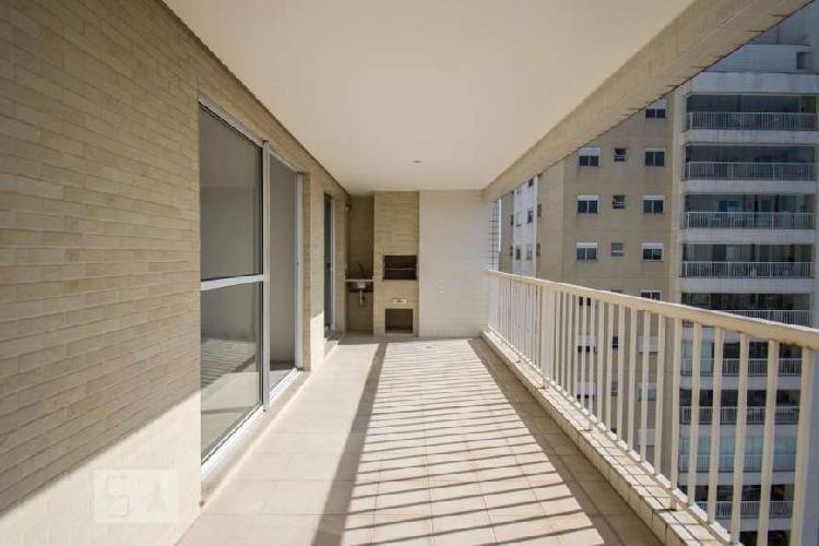 Apartamento com 3 Quartos à Venda, 112 m² por R$ 780.000