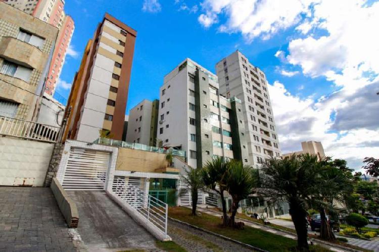 Apartamento com 3 Quartos à Venda, 95 m² por R$ 495.000