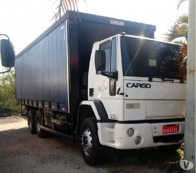 Caminhão Ford Cargo baú sider