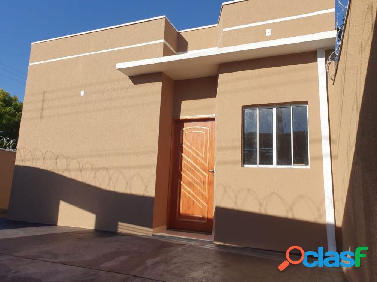 Casa Padrão - Casa a Venda no bairro Santa Cecília -