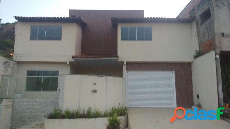Casa com 03 Dormitórios - Bairro Esplanada - Casa a Venda