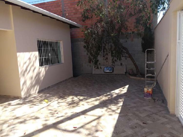 Casa com 3 Quartos à Venda, 250 m² por R$ 600.000 COD.