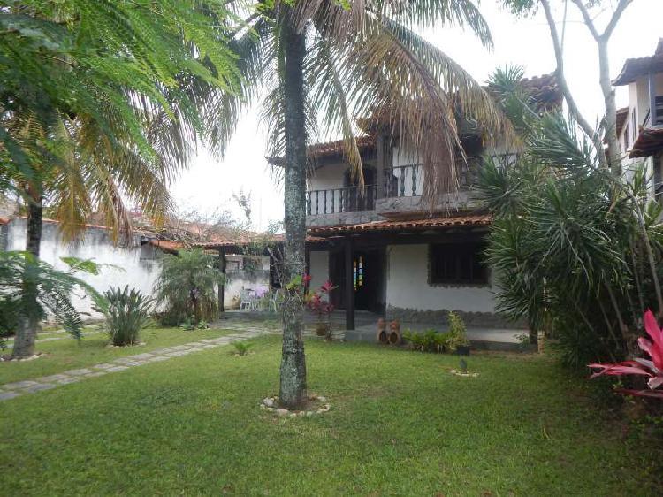 Casa com 4 Quartos à Venda, 250 m² por R$ 780.000 COD.