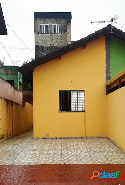 Casa de 2 Dormitórios a 5 minutos do Itaqua Garden Shopping