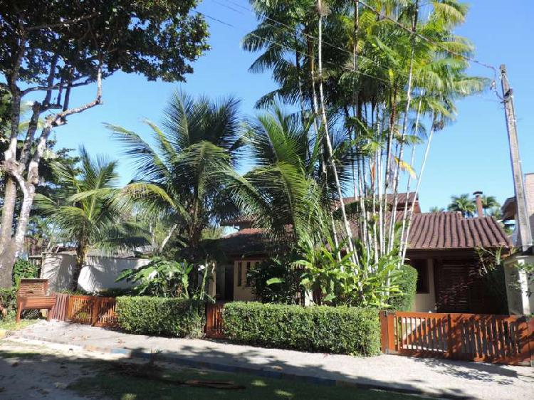 Casa de Condomínio com 2 Quartos à Venda, 242 m² por R$