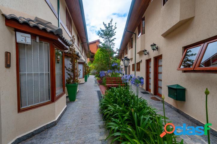Casa em condomínio na região de Capivari