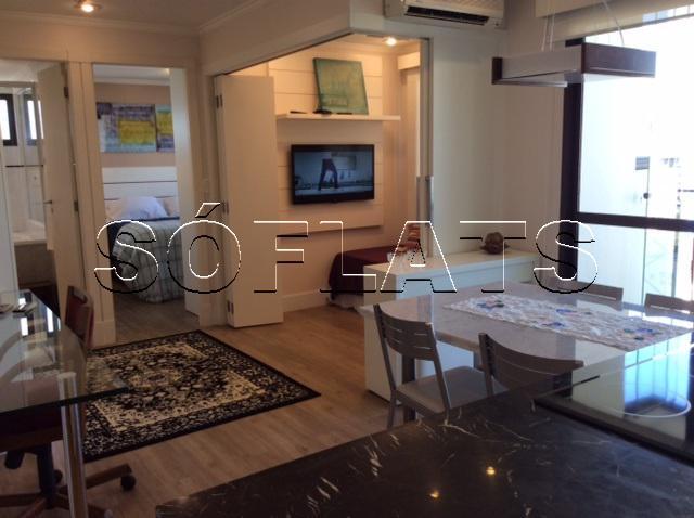 Flat com 2 Quartos para Alugar, 52 m² por R$ 3.500/Mês