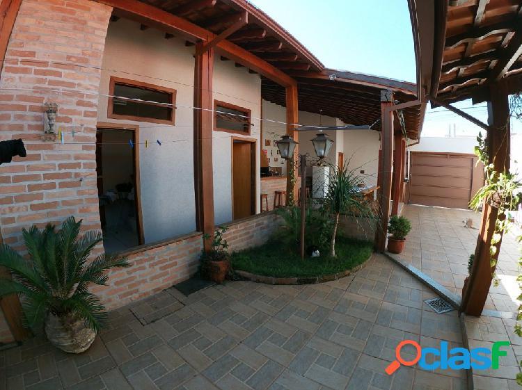 ? Jardim Flórida - Casa Rústica - Casa a Venda no bairro
