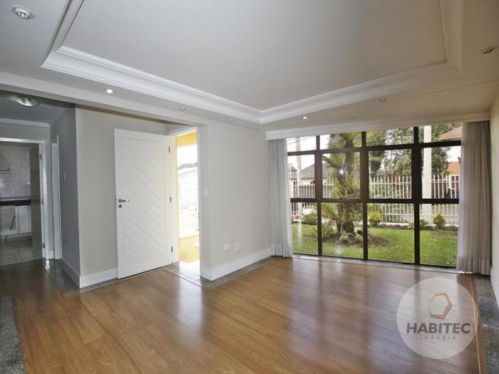 Sobrado com 4 Quartos à Venda, 185 m² por R$ 790.000 COD.