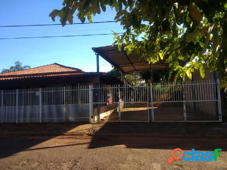 Vende-se casa em Indiaporã - Casa a Venda no bairro Centro