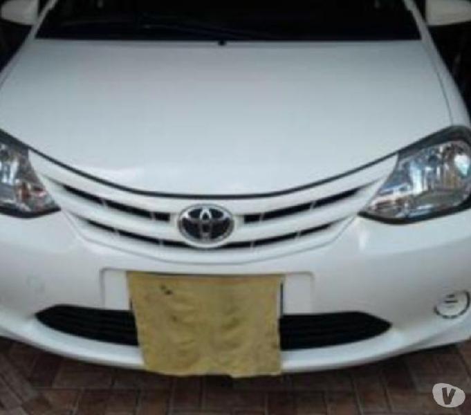Vendo Etios sedan XS 1.5 Carro de garagem, excelente estado