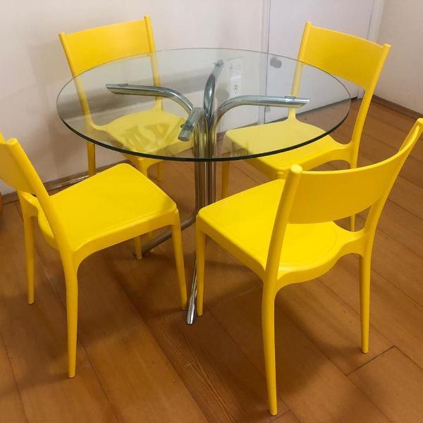 conjunto de mesa e cadeiras tok stok