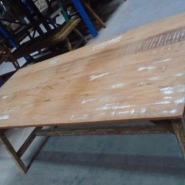 mesa de jantar em madeira de demolição nova