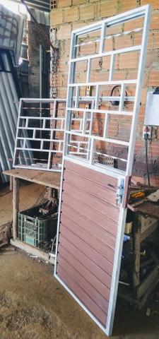 Grande promoção de porta e janela, vai com fechadura nova