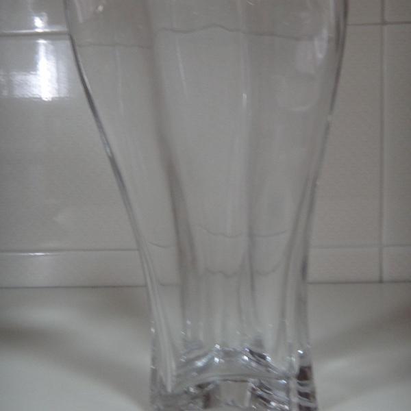 vaso de vidro grosso transparente
