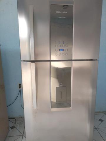Vendo geladeira electrolux 542 litros frosfre