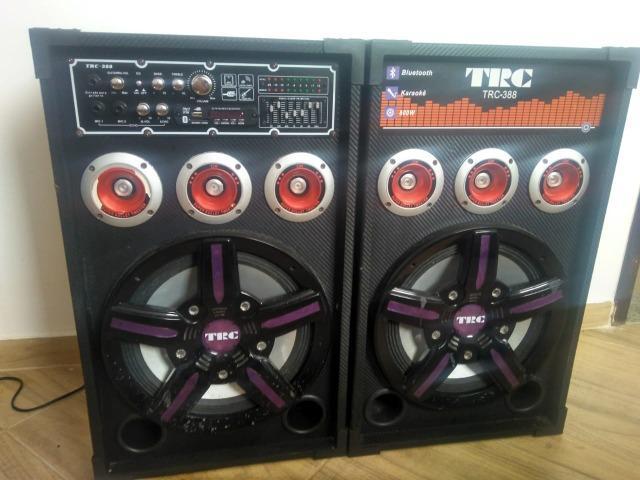 Caixa de som amplificada TRC-388