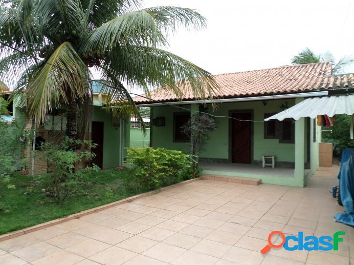 Casa no centro de Praia Seca, próxima à lagoa, com 3