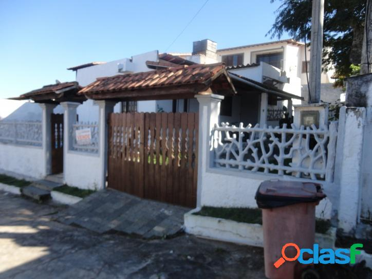 Casa para venda tem 90 metros quadrados e 3 quartos em Praia