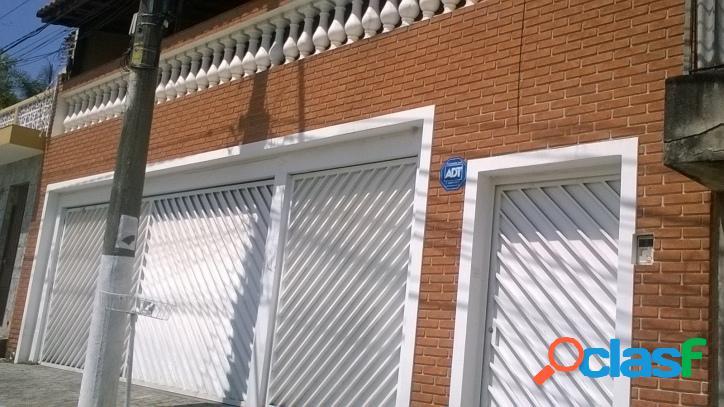 Sobrado de 250m² no Jd. Frei Galvão - Cód.168