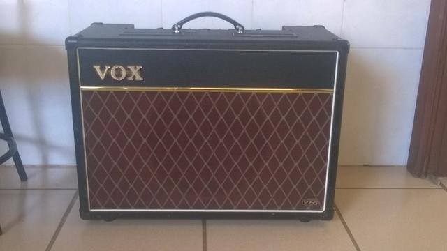 Vox AC15VR Pré valvulado