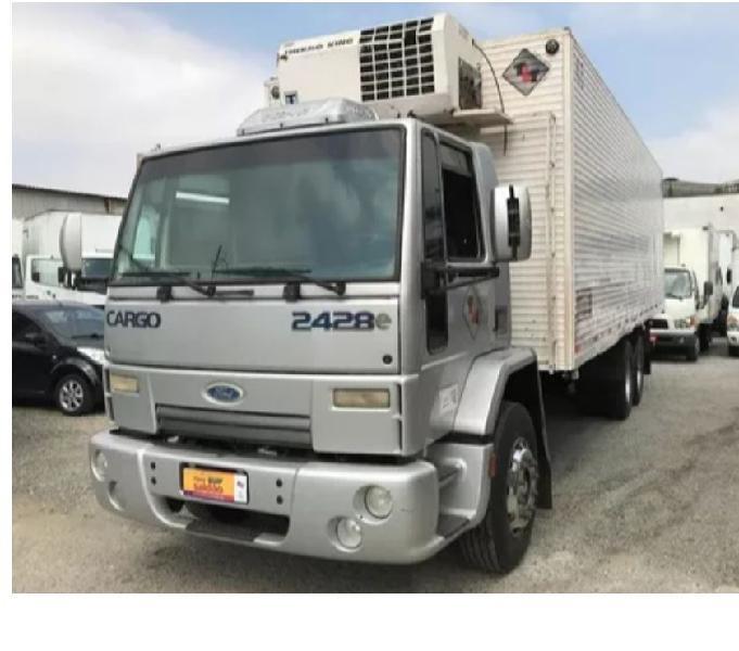 Ford Cargo 2428 BAÚ refrigerado 2010