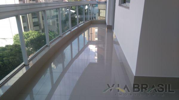 Apartamento com 2 Quartos à Venda, 75 m² por R$ 430.000