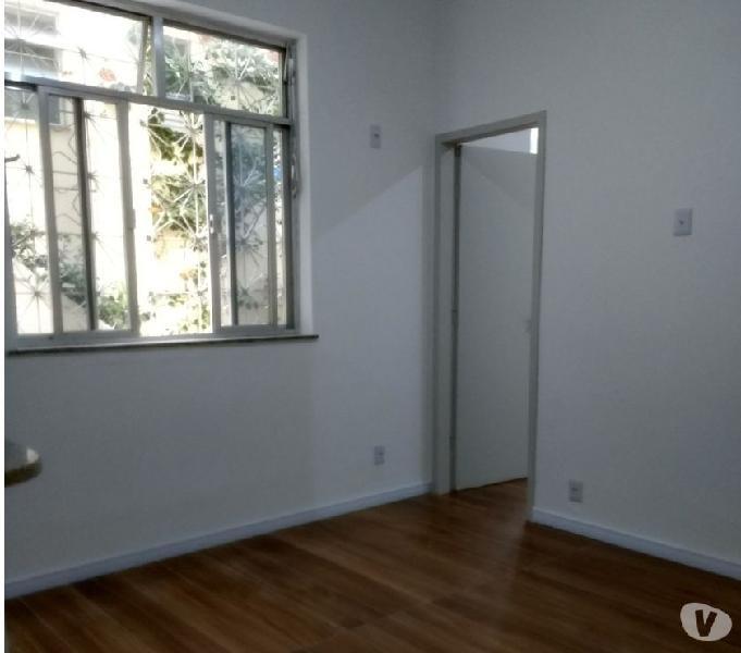Apartamento quarto e sala totalmente reformado e arejado.