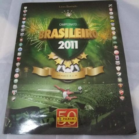 Álbum de figurinhas campeonato Brasileiro  faltando 10