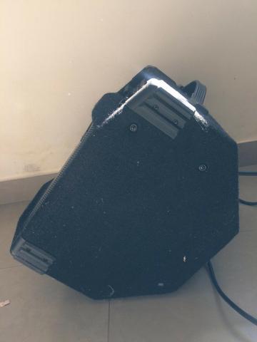 Amplificador de Baixo Behringer Ultrabass 45W - 110v