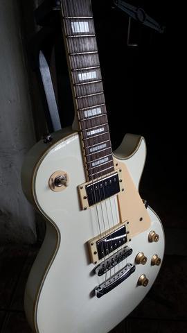 Guitarra les paul strimberg regulada em ótimo estado de