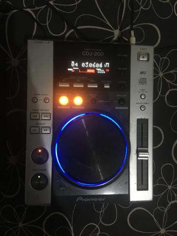 Par de CDJ 200 + Mixer