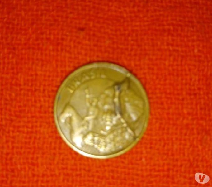 Rara Moeda de 10 Centavos ano 2001 com grande anomalia - mbc