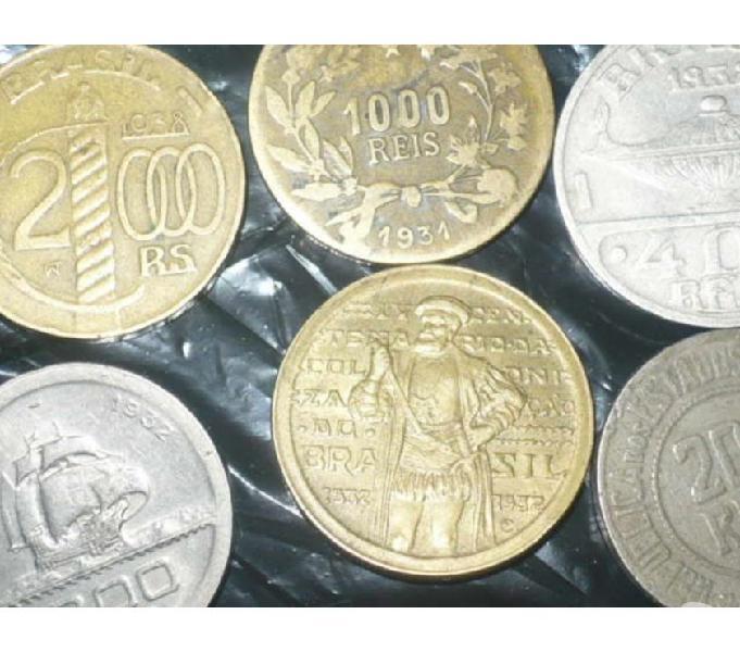 Vendo 832 moedas antigas de réis R$200 todas-temos mais