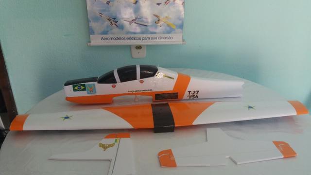 Aeromodelo Tucano t27 Laranja com branco