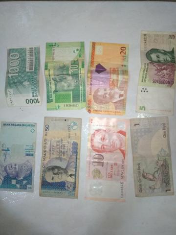 Coleção de notas de vários países