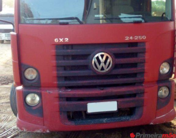 Vendo caminhão VW 24-250 E Constellation 6X2 com Sider