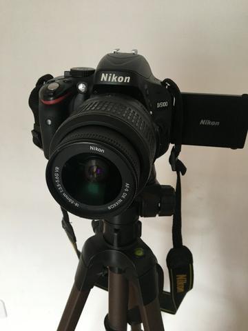 Câmera Profissional Nikon D + Tripé de 1,80