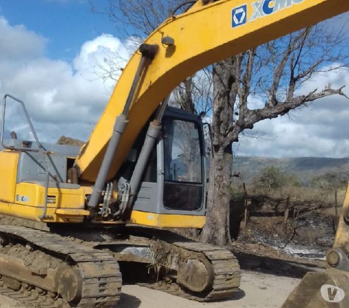 Maquina Escavadeira 22 toneladas XCMG 2013 5300 horas