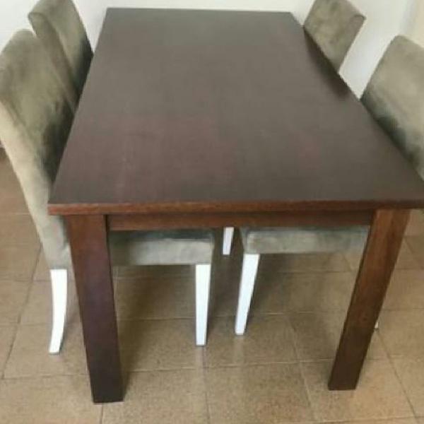 Mesa de madeira maciça 4 cadeiras