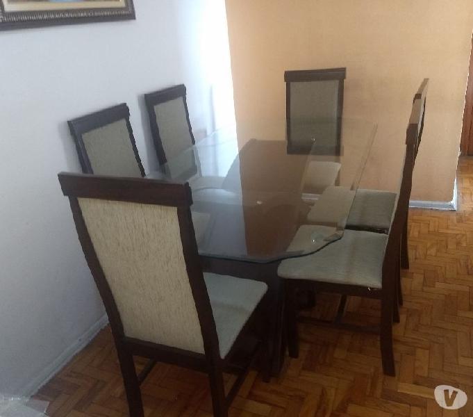 Mesa de vidro Cassica e seis cadeiras