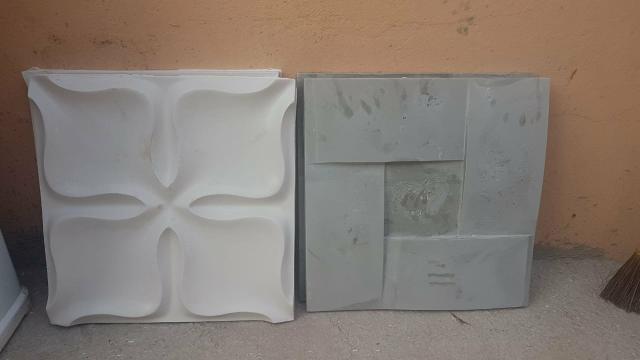 Placas 3D cimenticas e gesso e blocos gesso