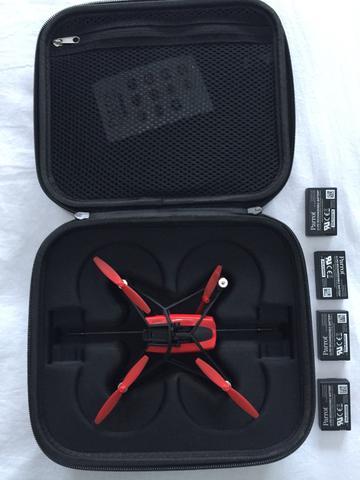 DRONE + 4 baterias + super case parrot