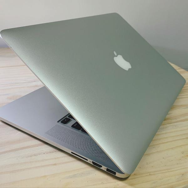 macbook pro 15 i7, 16gb ram, 512gb ssd m2