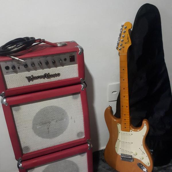 guitarra e amplificador de som