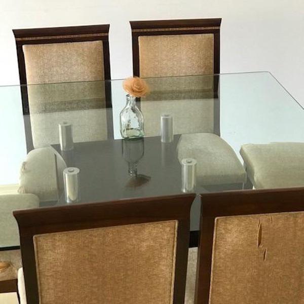 jogo de jantar com 8 cadeiras