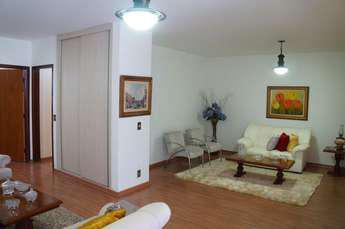 Casa com 4 quartos à venda no bairro Caiçaras, 300m²