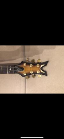 Guitarra dean deceiver flame top