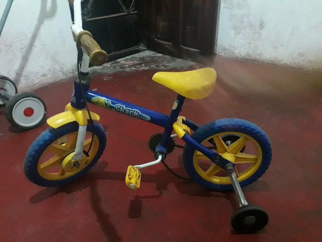 Vendo bicicleta infantil pra menino zap *